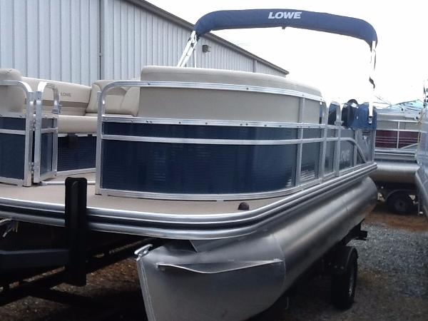 2016 Lowe Ultra Value 180 Cruise - Blue