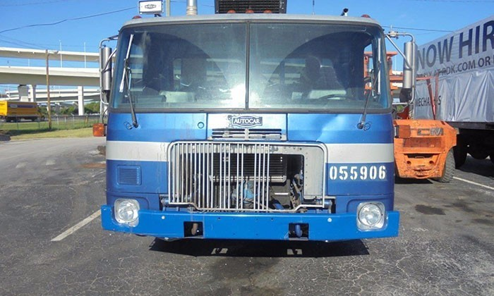 2005 Autocar Xpeditor Roll Off Truck