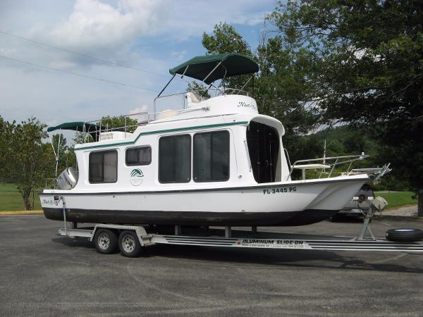 2002 Adventure Craft AC2800