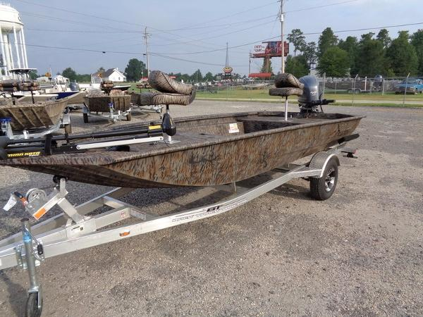 2017 Xpress HD Duck Boat Series