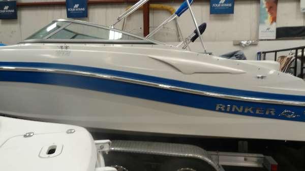 2012 Rinker Captiva 216 BR