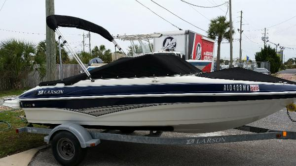 2011 Larson LX 850