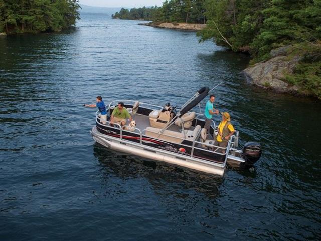 2015 Sun Tracker Bass Buggy 18 DLX