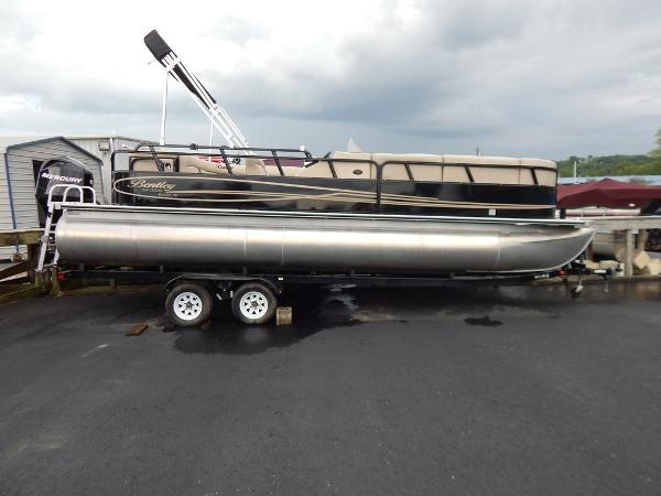 2012 Bentley Pontoons 240 CRUISE SE
