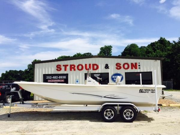 2016 Carolina Skiff 238 DLV