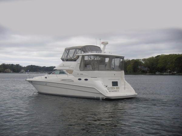 1998 Sea Ray 420 Aft Cabin-3 Stateroom!