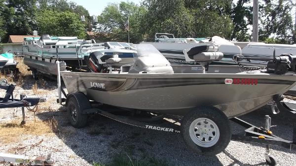 2006 Lowe 165 FISHING MACHINE