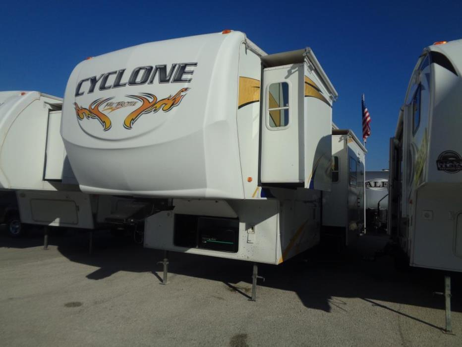 2008 Heartland Cyclone 3912 FIFTH WHEEL TOY HAULER