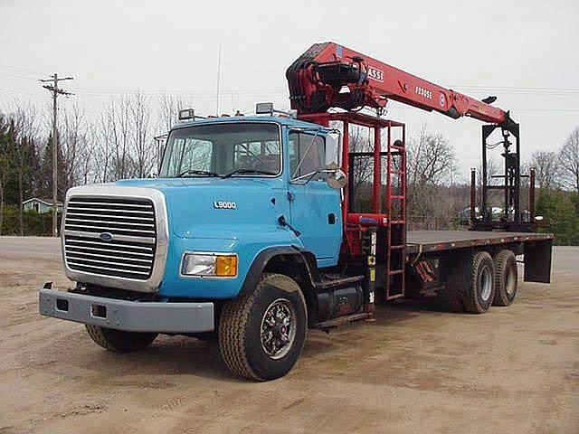 1995 Ford L9000  Crane Truck