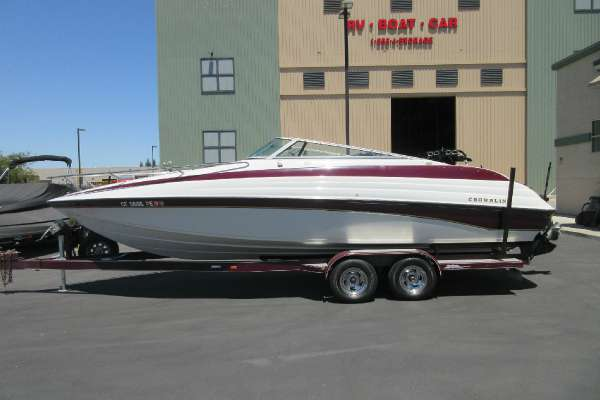 1998 Crownline 266 ccr Cruisers