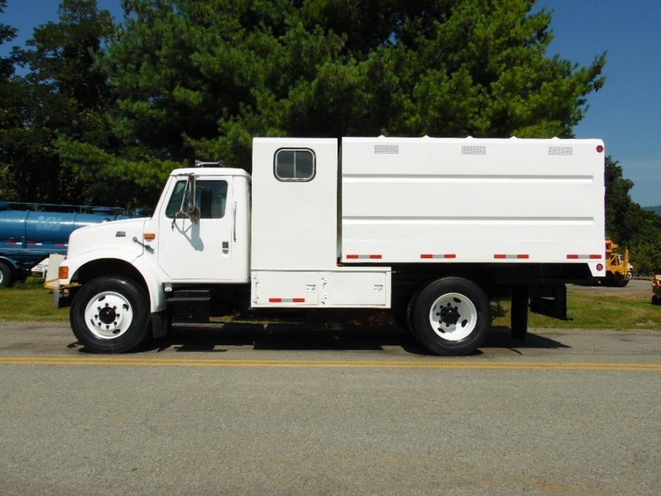 1998 International 4700 Chipper Truck