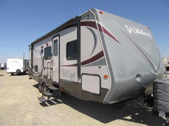 2013 Forest River WILDCAT 26FBS U SHAPED DINETTE/