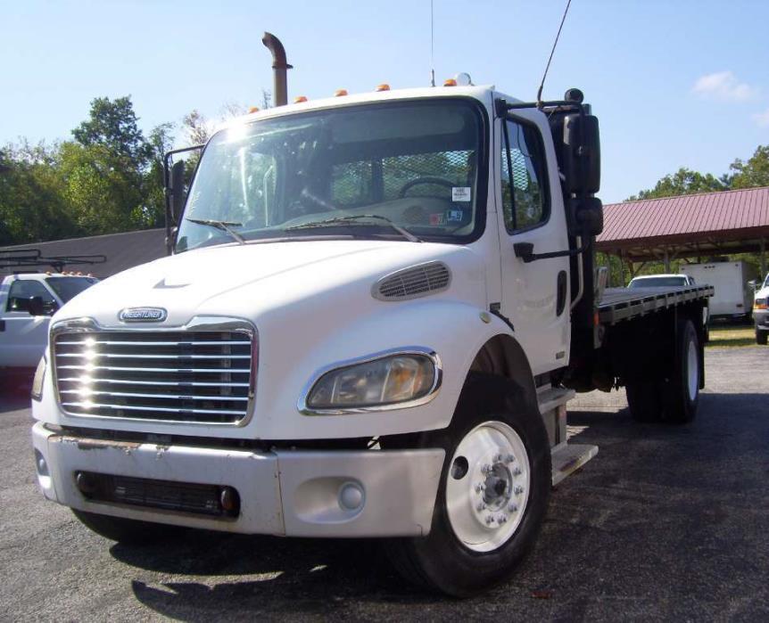 2006 Freightliner M2106  Flatbed Dump
