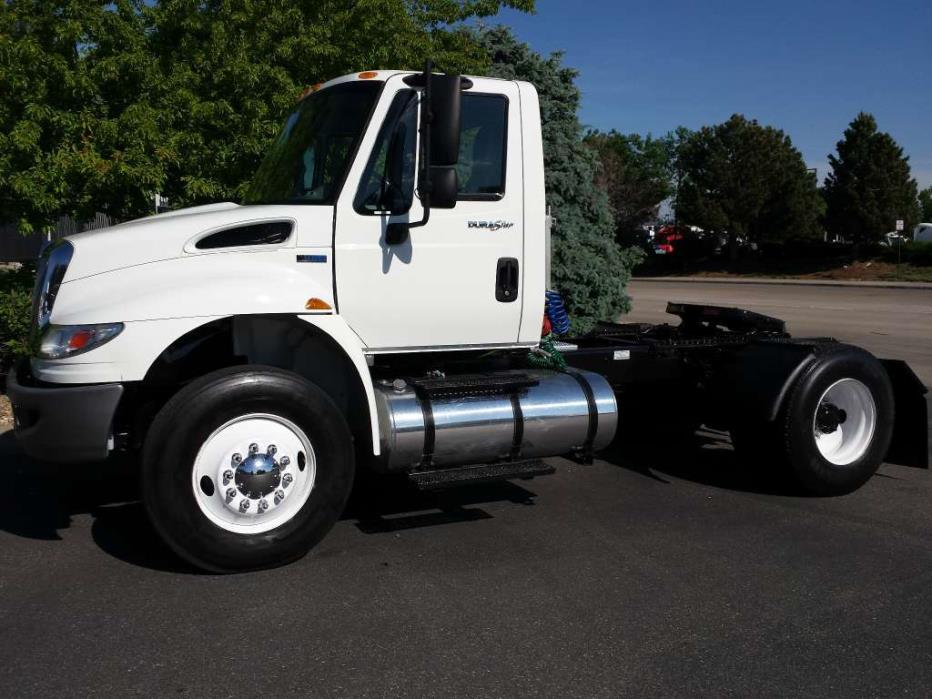 2012 International 4400 Conventional - Day Cab