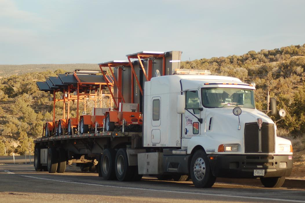 2006 Kenworth T600 Conventional - Sleeper Truck