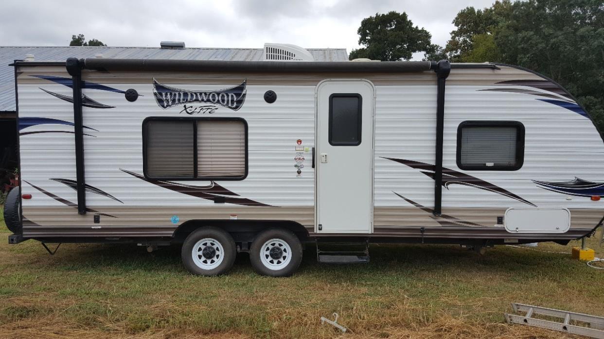 2015 Forest River WILDWOOD X-LITE 241QBXL