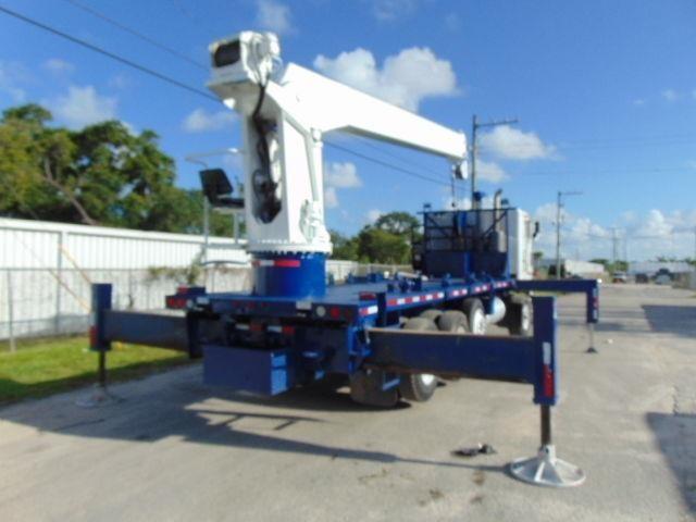 2005 Peterbilt 362 Crane Truck