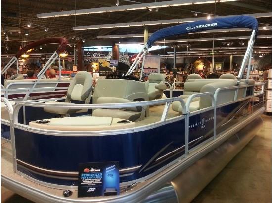 2015 Sun Tracker Fishing Barge DLX