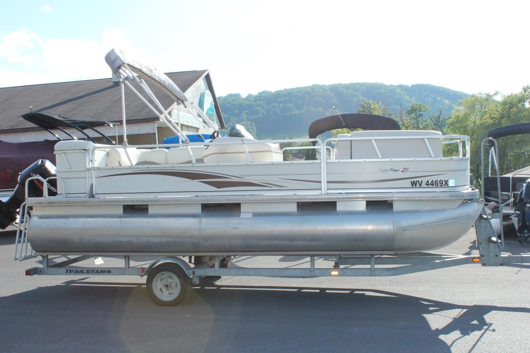 2005 Sun Tracker Party Barge 21