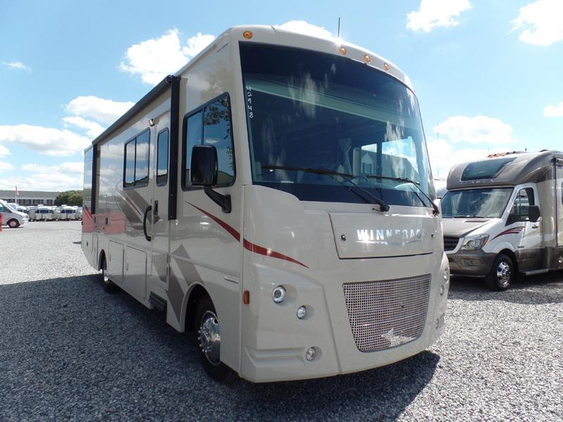 2017 Itasca Sunstar 29VE by Winnebago