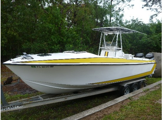 1988 Custom Universal Boats Inc.