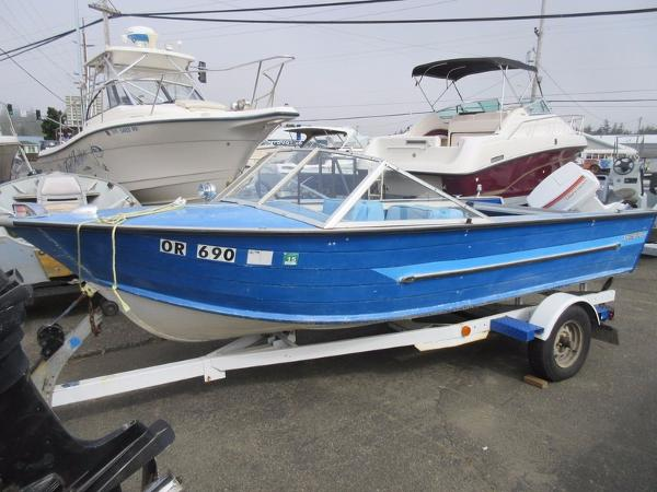 1992 Starcraft 15' Closed Bow
