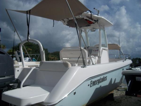 2011 Everglades 230 CC