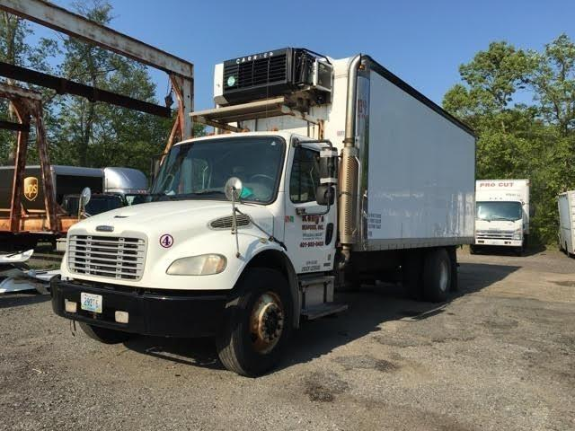 2006 Freightliner Business Class M2 106  Refrigerated Truck
