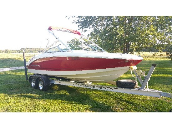 2011 Chaparral 216 SSi