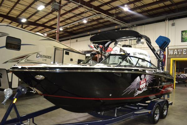2016 Monterey 238 Super Sport Roswell Edition