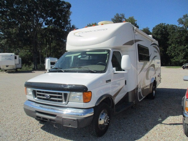 2007 Coachman Concord 235 SO