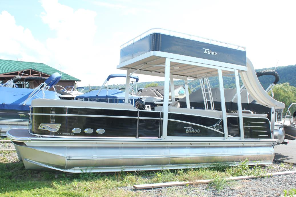 2017 Tahoe Pontoons VISTA ELITE FUNSHIP WITH SLIDE