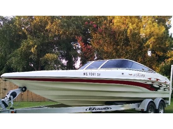 2007 Caravelle Boats 232 interceptor