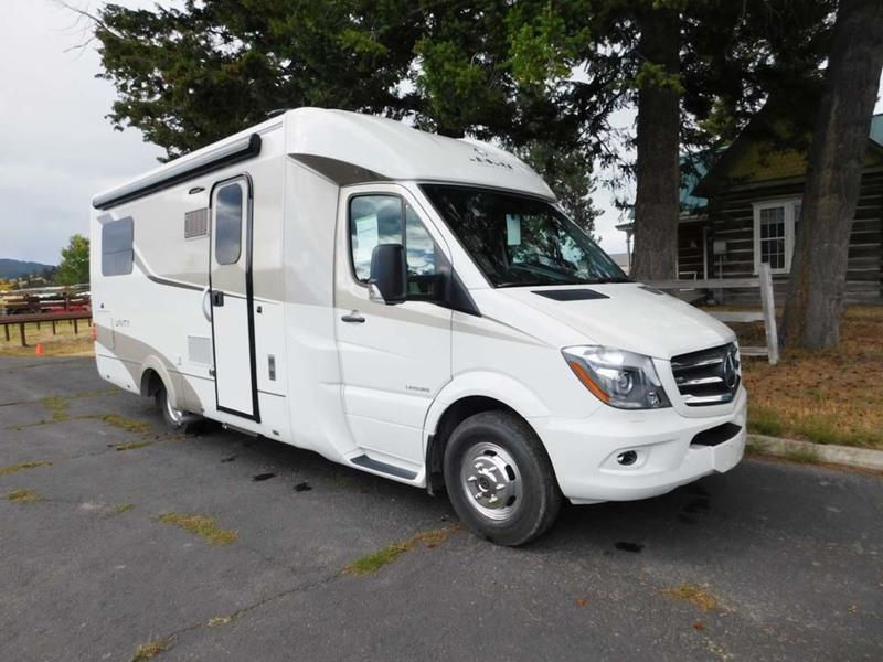 2017 Leisure Travel Vans Unity U24TB