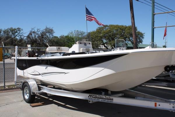 2016 Carolina Skiff DLV218