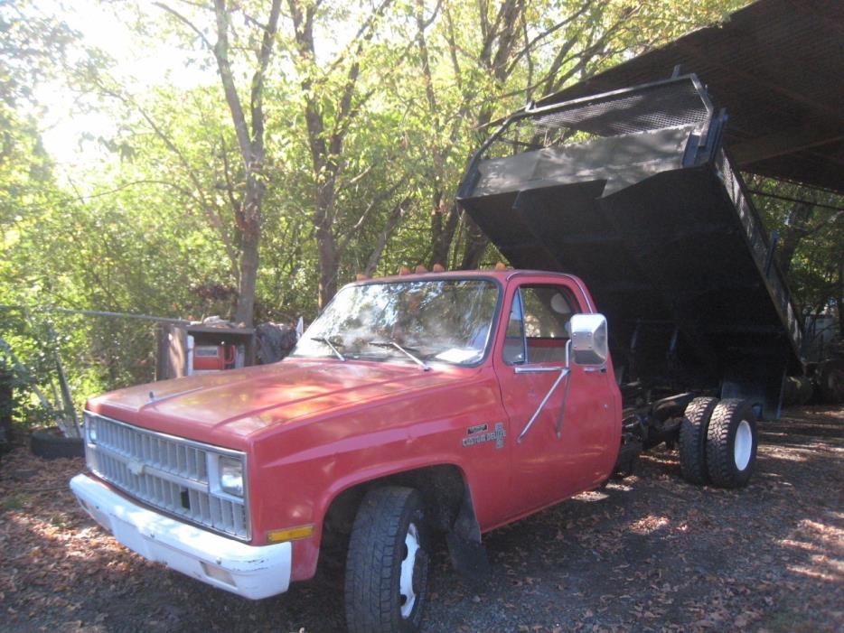 1981 Chevrolet C30  Dump Truck