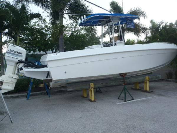 Paramount 26 cc sportfish boats for sale for Paramount fishing boat