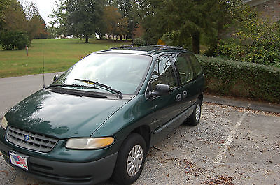 Plymouth : Voyager Standard  1998 plymouth voyager mini van