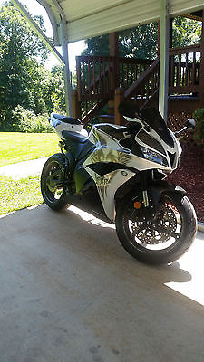 Honda : CBR Phoenix Edition CBR600RR, Great Condition, Very well kept and is a blast to ride