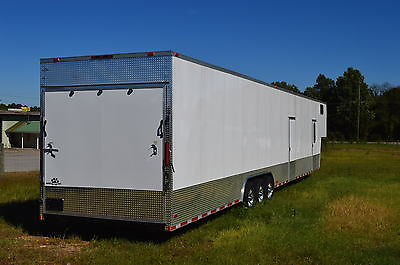 2015 8.5x52 Enclosed Gooseneck Trailer/Cargo Trailer/Bathroom and Finished Int.,