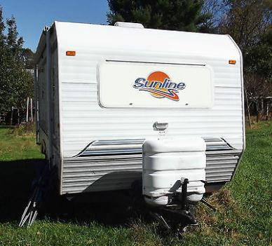 ONE 2007 Sunline Solaris 1950T travel trailer.20' long .Great living space.