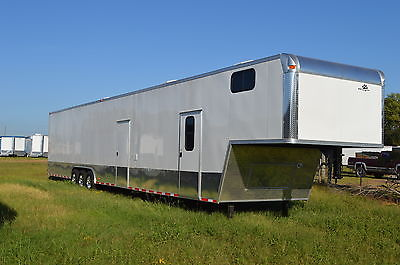 2015 8.5x52 Enclosed Gooseneck Trailer/Cargo Trailer/Bathroom and Finished Int.