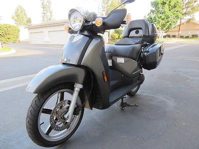 Aprilia : Scarabeo 2005 aprilia scarabeo 150 rotax 16 wheels saddle bags lead grey 12 k miles rare
