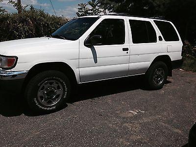 Nissan : Pathfinder Xe 1998 nissan pathfinder xe sport utility 4 door 3.3 l