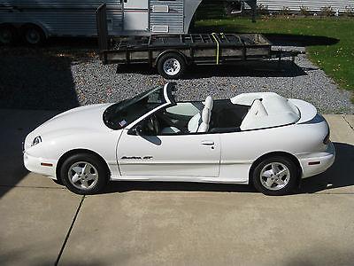 Pontiac : Sunfire GT 1999 pontiac sunfire gt convertible 2 door 2.4 l