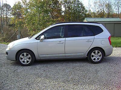 Kia : Rondo LX 2008 kia rondo 4 dr wagon lx tinted windows under 52000 miles