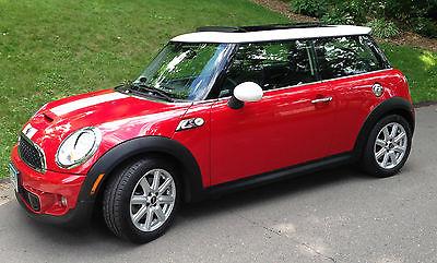 Mini : Cooper S Hatchback 2-Door 2011 mini cooper s hatchback chili red excellent condition 25 k miles
