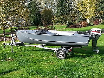 14' Voyager Aluminum Boat, Galvanized Trailer, 15 HP Honda 4-Stroke, & Extras