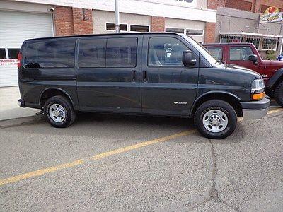 Chevrolet : Express Gray Cloth 2005 chevy express passenger wagon van one ton 8 12 passenger capacity