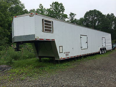 2004 Continental enclosed 50' car trailer gooseneck 5th wheel